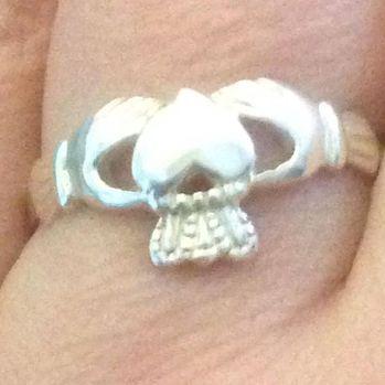 Instagram media acrazylady - Mijn nieuwe ring #claddaghring #silver
