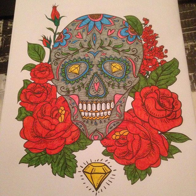 Instagram media acrazylady - #skull #tattoo #kleurenvoorvolwassenen #action