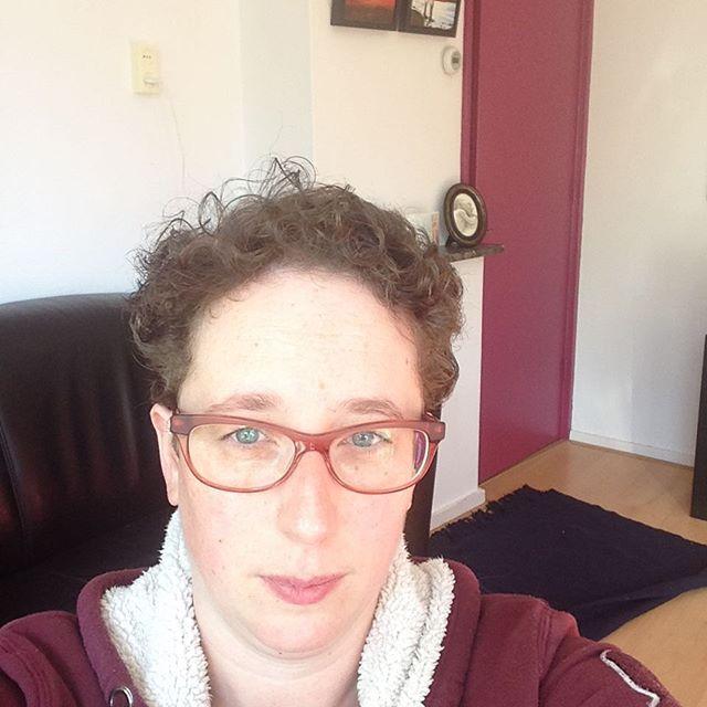 Instagram media acrazylady - Nieuw kapsel. Net terug van de kapper. #selfie