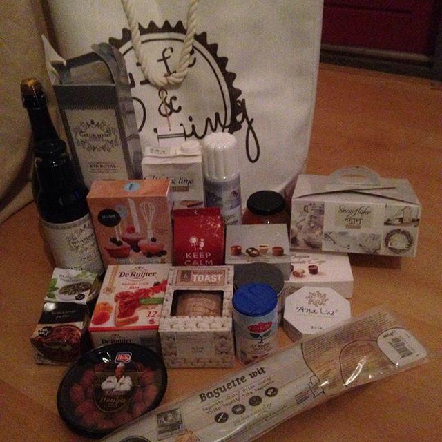 Instagram media acrazylady - Inhoud eetbare gedeelte #kerstpakket #2015