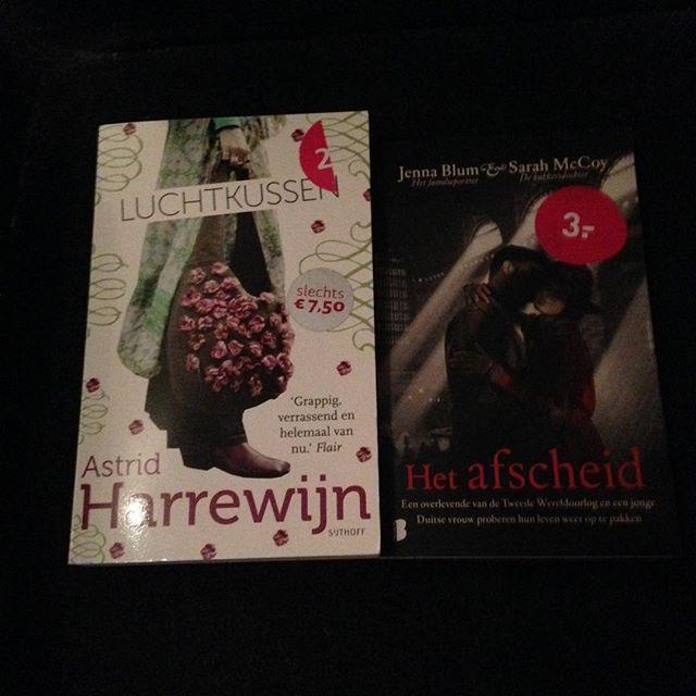 Instagram media acrazylady - 2 nieuwe boeken gekocht bij de v&d zaterdag, waren samen maar 5 euro