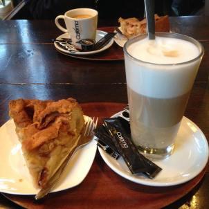 We begonnen met koffie en appeltaart